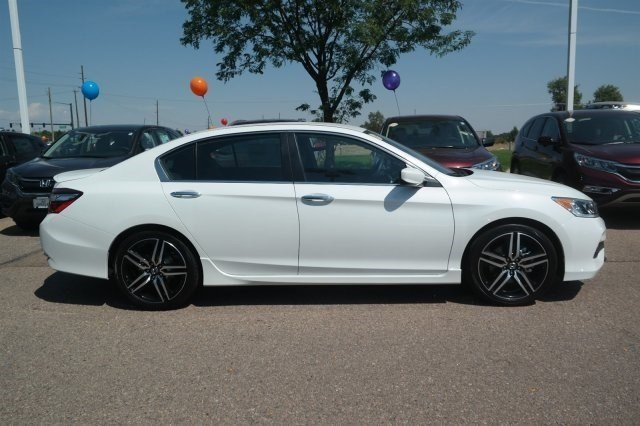 New 2017 Honda Accord Sport Se 4dr Car In Greeley 17h014